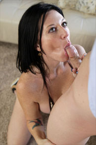 Raven Haired Porn Milf Licious Gia On Her Knees Giving Head